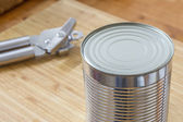 Silver Can and opener — Stockfoto