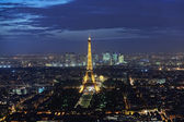Panoramic view of the Eiffel Tower at night — Zdjęcie stockowe