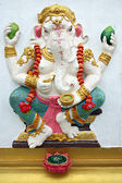 Wit standbeeld ganesh in tempel. — Stockfoto