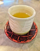 Green tea in japanese cup — Stock Photo