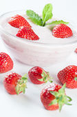 Dessert with yoghurt and strawberrys — Stock Photo