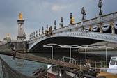 Puente a través del sena — Foto de Stock