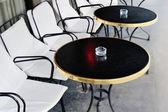 Czarny stół — Zdjęcie stockowe