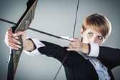 Business woman focused on target — Stock Photo