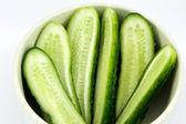 Dilimlenmiş salatalık yemeği — Stok fotoğraf