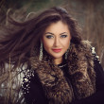 Beautiful woman outdoor — Stock Photo #48455463
