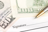 Signing on a contract — Stock Photo