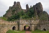 образование камней и замок — Стоковое фото