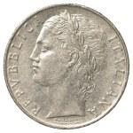 100 italian lira coin — Stock Photo #23823423