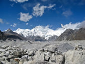 Mountain view at the Nepal Himalaya — Stock Photo