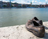Shoes on the Danube Bank monument in Budapest, Hungary — Stockfoto