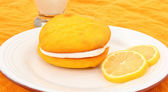 Lemon Flavored Whoopie Pie On Plate — Stock Photo