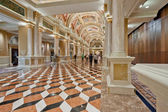 Luxury classic colonnade corridor with marble floor — Stock Photo