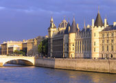 Palace Conciergerie riverside — Stock Photo