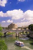 Pohled na hrad svatého anděla v římě — Stock fotografie