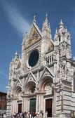 Cathédrale de façade de sienne — Photo