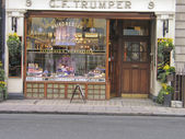 Geo F Trumper - London's barber and perfumer shop for gentlemen since 1875 on 9 Curzon Street in Mayfair district — Stock Photo