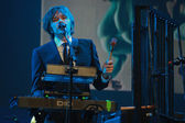 Andy Ross vocals, guitar and keyboards player of rock band OK Go performs at IBM Lotusphere conference — Stock Photo