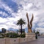 LAS VEGAS, NEVADA - JUNE 11, 2013: Luxor hotel in Las Vegas on J — Stock Photo