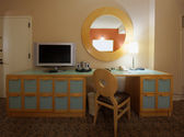 Study room with writing desk and lcd tv set — 图库照片