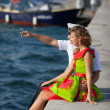 military seaman and his girlfriend near sea — Foto Stock