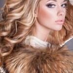 Beauty fashion woman in fur coat winter. — Stock Photo