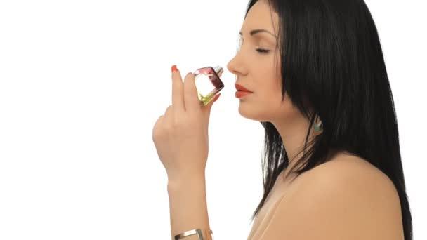 Flirts et parfum de jeune fille belle — Vidéo