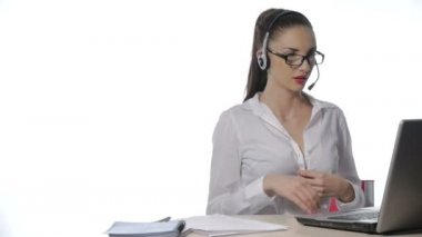 Businesswoman working — Stockvideo