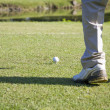 Senior man playing golf — ストック写真