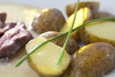 Meat smoled beef potato and chives — Stock Photo