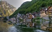 Mountain lake, Hallstatt, Austria — Stock Photo
