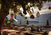 Amanecer, austria, hallstatt, un restaurante chino — Foto de Stock