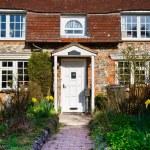 English Village Cottage — Stock Photo