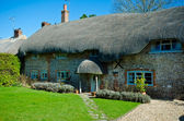 English Village Cottage — Stock Photo