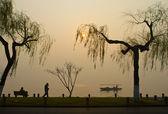 West Lake, Hangzhou, China duirng sunrise — Stock Photo