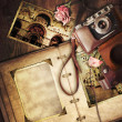 Vintage photo album with old camera. — Stockfoto