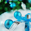 Table setting for christmas with blue ribbon. — Stock Photo