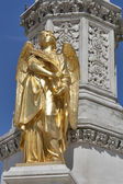 Zagreb statue — Stock Photo