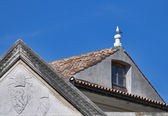 Seagull on top a roof — Stock Photo