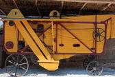 Antigua máquina de trilla — Foto de Stock