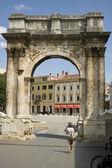 Roman triumphal arch — Stock Photo