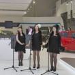 Artist performance on Chevrolet booth — Stock Photo