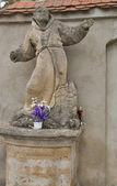 Monk sculpture. Olesko, Ukraine — Stock Photo