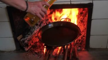 Cooking a paella — Stockvideo