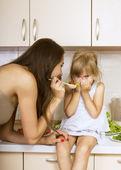 Ragazza con nessun appetito — Foto Stock