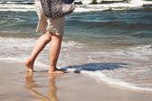 Wandelen op het strand — Stockfoto