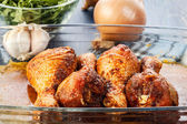 Marinated chicken drumsticks — Stock Photo