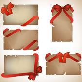 Conjunto de bonitos cartões com arcos de presente vermelho — Vetor de Stock