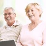 Счастливая пара старших — Стоковое фото