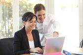 ženy v práci — Stock fotografie